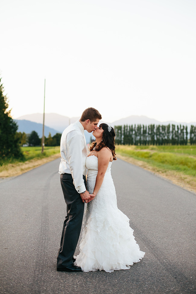 Country Road  Abbotsford Wedding Photo