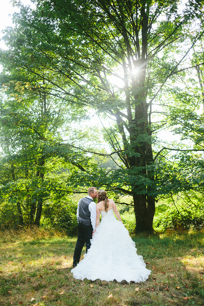 Langley-Backyard-Farm-Wedding018