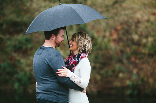 Bethany-Brody-Rainy-Engagement-Session007