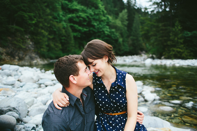 river engagement photos in BC