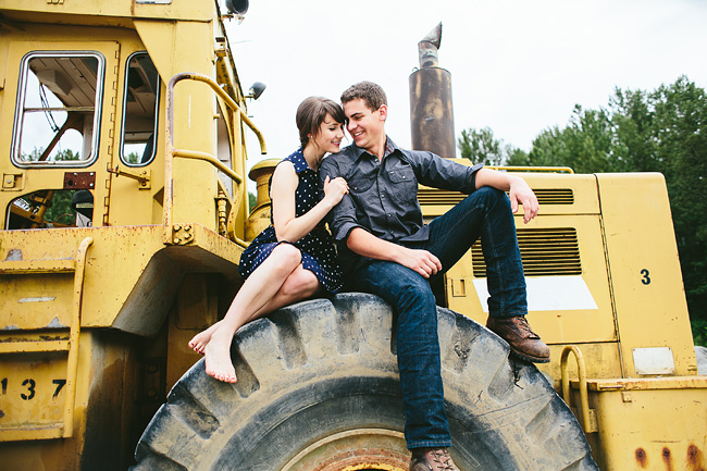 engagement photos on tire