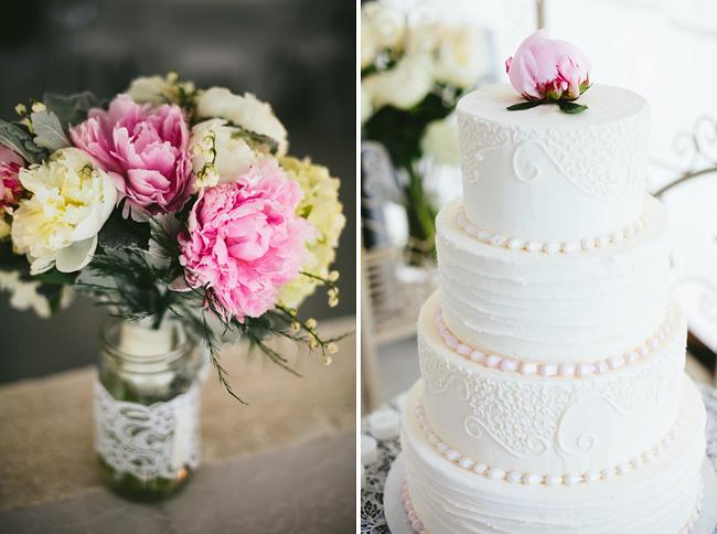 triple swaan wedding cake