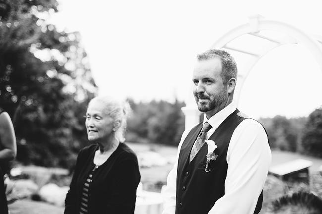 Langley-Backyard-Farm-Wedding002