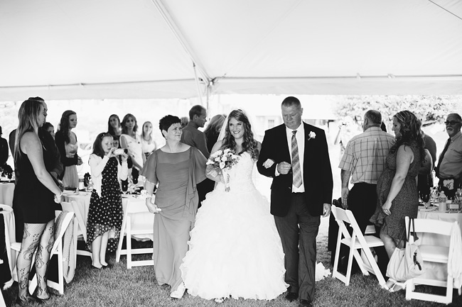 Langley-Backyard-Farm-Wedding004
