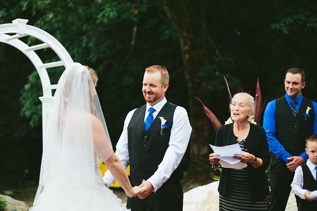 Langley-Backyard-Farm-Wedding009
