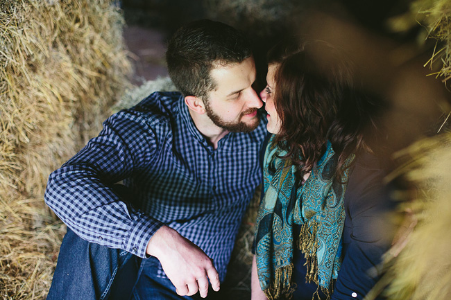 020-abbotsford-farm-engagement-photos-