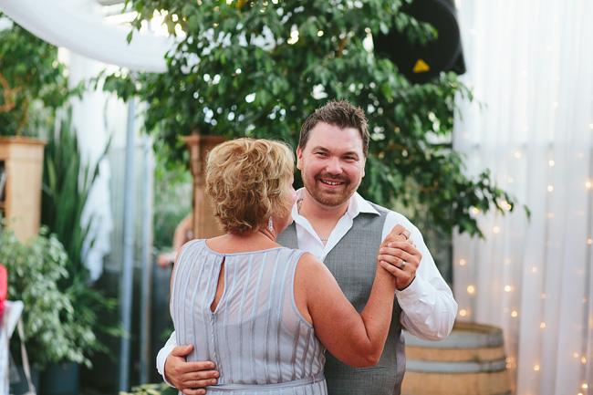 086-secret-garden-woodbridge-ponds-wedding-